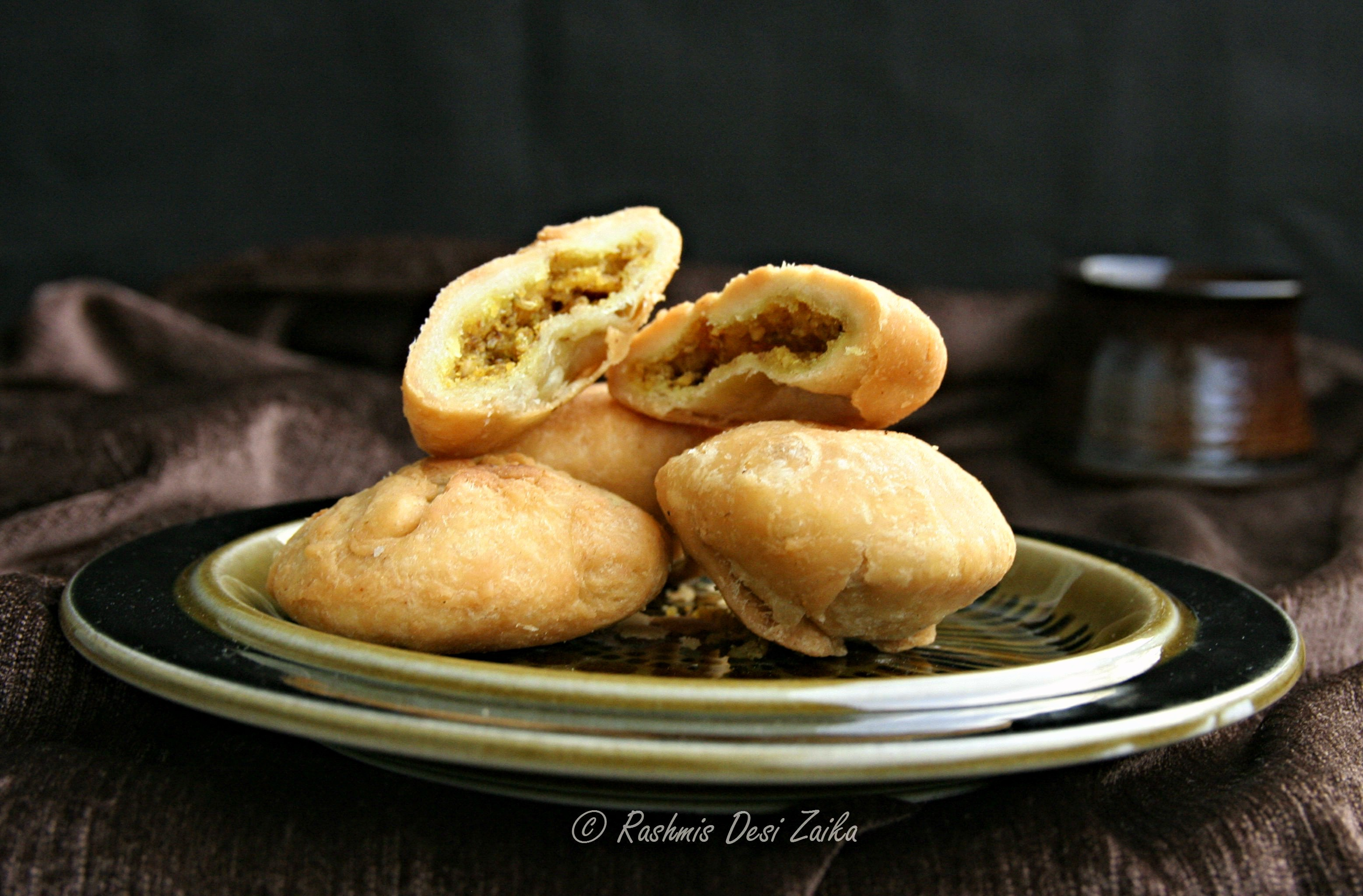 Khasta Dal Kachoris-Spiced Lentils Stuffed Kachoris